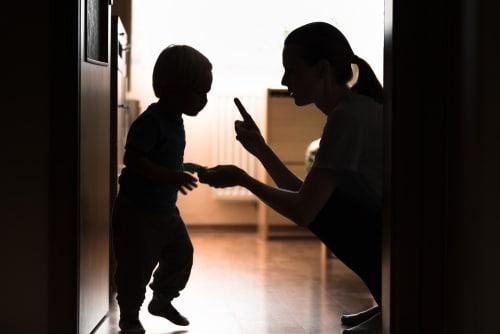 happy-nanny-parentalite-positive-aider-son-ado